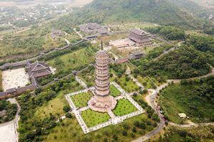 Đông nghịt người dự khai hội chùa Bái Đính nhìn từ trên cao