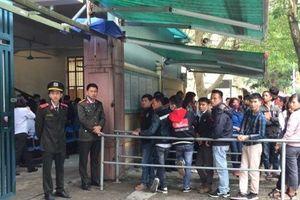 Nghệ An: Hàng nghìn người đổ xô đi làm hộ chiếu, giấy thông hành