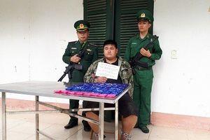 Người đàn ông bị bắt giữ khi đang vận chuyển 12.000 viên ma túy tổng hợp
