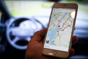 Nghe theo chỉ dẫn của Google Maps, một anh chàng ở Indonesia suýt bị mất mạng khi lao xe qua vách đá