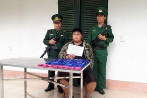 Bắt đối tượng vận chuyển 12.000 viên ma túy từ Lào về Việt Nam