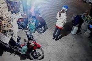Nữ sinh bị sát hại khi đi giao gà cho mẹ chiều 30 Tết: Nghi phạm mới ra tù