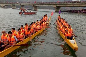 Quỳnh Nhai sẵn sàng cho Lễ hội đua thuyền Pá Uôn