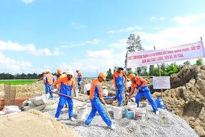 Đẩy nhanh tiến độ Dự án đường dây 500 KV Quảng Trạch - Dốc Sỏi