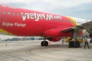 Máy bay Vietjet bị hỏng lốp
