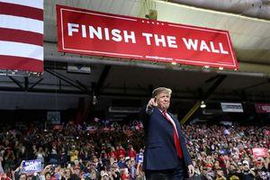 Ông Trump vận động tranh cử tại biên giới Mỹ-Mexico với khẩu hiệu 'sốc'