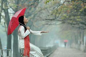 Hà Nội đêm và sáng trời rét, có mưa phùn và sương mù