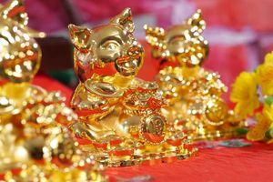 Giá vàng hôm nay 13/2: Giá vàng SJC giảm mạnh, cao hơn vàng thế giới 450 ngàn đồng/lượng
