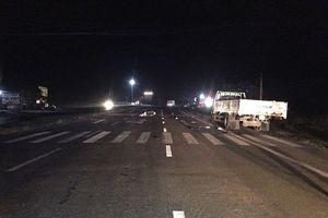 Hà Tĩnh: Xe máy kẹp 3 đâm xe tải đậu bên đường, 3 thanh niên tử vong