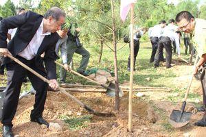 Huế: Phát động 'Tết trồng cây đời đời nhớ ơn Bác Hồ' đầu xuân Kỷ Hợi