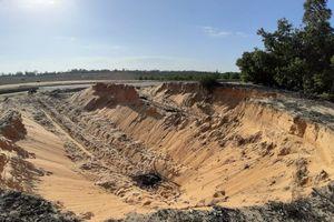 Quảng Nam: Dai dẳng tình trạng khai thác cát trái phép dọc tuyến đường biển
