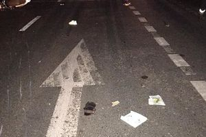 Đâm vào ô tô đỗ bên đường, 3 thanh niên tử vong