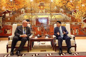 Chủ tịch UBND TP Hà Nội tiếp đại sứ Bỉ tại Việt Nam