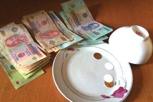 Hà Nội: Đột kích trang trại bắt nhóm đối tượng đánh bạc bằng hình thức xóc đĩa