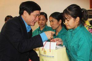 'Công đoàn Việt Nam - Niềm tin người lao động'