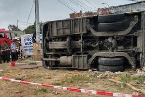 Điều tra nguyên nhân xe khách bị vỡ lốp gây tai nạn tại Nha Trang