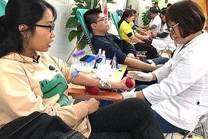 Bệnh viện Hữu nghị Việt Đức kêu gọi hiến máu cứu người