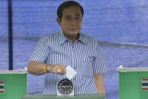 Thủ tướng Thái Lan bị cấm đi vận động tranh cử
