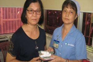 Nữ nhân viên vệ sinh nhặt hơn 100 triệu đồng trả lại cho bệnh nhân
