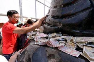 Khai mạc Hội xuân Yên Tử, cấm du khách rải tiền lẻ