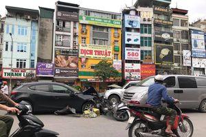 Ô tô Mazda gây tai nạn liên hoàn trên phố Trường Chinh, Hà Nội