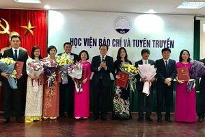 Học viện Báo chí và Tuyên truyền công bố quyết định bổ nhiệm cán bộ lãnh đạo các đơn vị trực thuộc