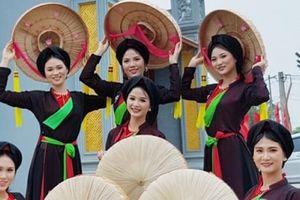 Người đẹp Kinh Bắc 2019 dâng hương tại đền thờ Vua Bà - thủy tổ của quan họ Bắc Ninh