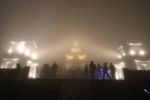 Nửa đêm hành hương giữa non thiêng Yên Tử