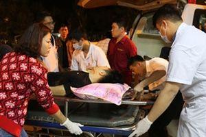 Vụ xe 7 chỗ lấn làn gây tai nạn làm 2 người tử vong, chưa thể lấy lời khai tài xế do bị thương nặng