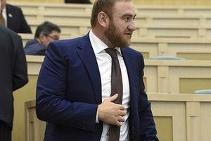 Những điều ít biết về vụ bắt giữ 2 bố con Thượng nghị sĩ Nga