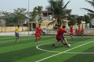 Sôi nổi giải bóng đá Công an huyện Thạch Thất mở rộng