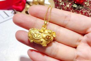 Chạy khắp Hà Nội không mua được heo vàng may mắn ngày Thần Tài