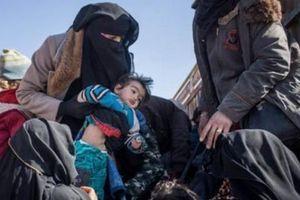 Đại chiến Syria: Kinh hoàng IS giết vợ vì chạy trốn khỏi ngày tàn