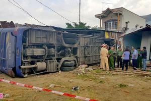 Xe khách đâm sập nhà dân, 38 người bị thương