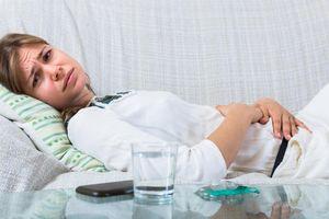 Tại sao khi bệnh, các triệu chứng trở nặng vào ban đêm?