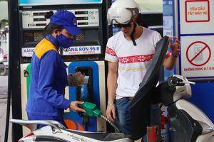 Giá xăng dầu chưa tăng nhờ sử dụng quỹ bình ổn
