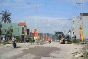 Bình Định: Nhiều năm chưa hoàn thành xong con đường, dân sống chung với bụi