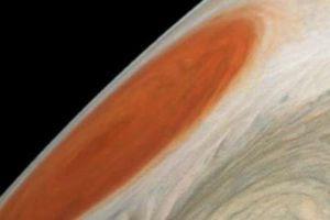 Ảnh bão xoáy cực đẹp, mới nhất trên sao Mộc