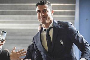 MU hoàn tất ký Noam Emeran, choáng với tài sản Ronaldo
