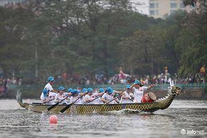 Lễ hội Bơi chải Thuyền rồng Hà Nội: Sôi động từ dưới nước tới trên bờ