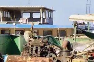 Tạm giữ phương tiện của nhóm khai thác cát lậu