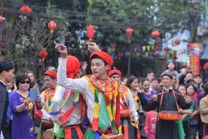 Chùm ảnh: Rộn ràng điệu múa 'Con đĩ đánh bồng' ở hội làng Triều Khúc