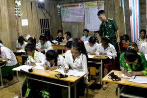 Thầy giáo mang quân hàm xanh giải cứu nữ học viên bị lừa bán qua biên giới