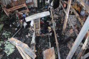 Tiệm sửa quần áo bị cháy rụi, nghi do bị phóng hỏa