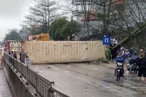 Thanh Hóa: Tai nạn liên hoàn giữa 7 phương tiện khiến nhiều người thương vong