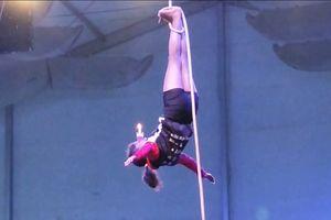 Giải Vô địch Thế giới 'Yoga trên cột' lần đầu tiên được tổ chức