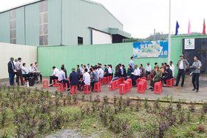 Người dân bỏ Tết chặn cổng nhà máy rác