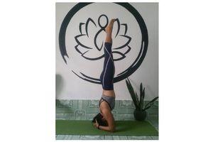 Yoga: đưa máu về tim với 'tư thế trồng chuối'