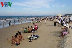 Cắm biển báo nguy hiểm sau vụ 6 học sinh chết đuối ở Quảng Nam