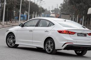 Đánh giá chi tiết xe Hyundai Elantra Sport 2018: Đẹp, vừa túi tiền, cách âm chưa ấn tượng